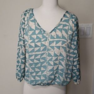 Rue 21 green and cream patterned blouse Sz S